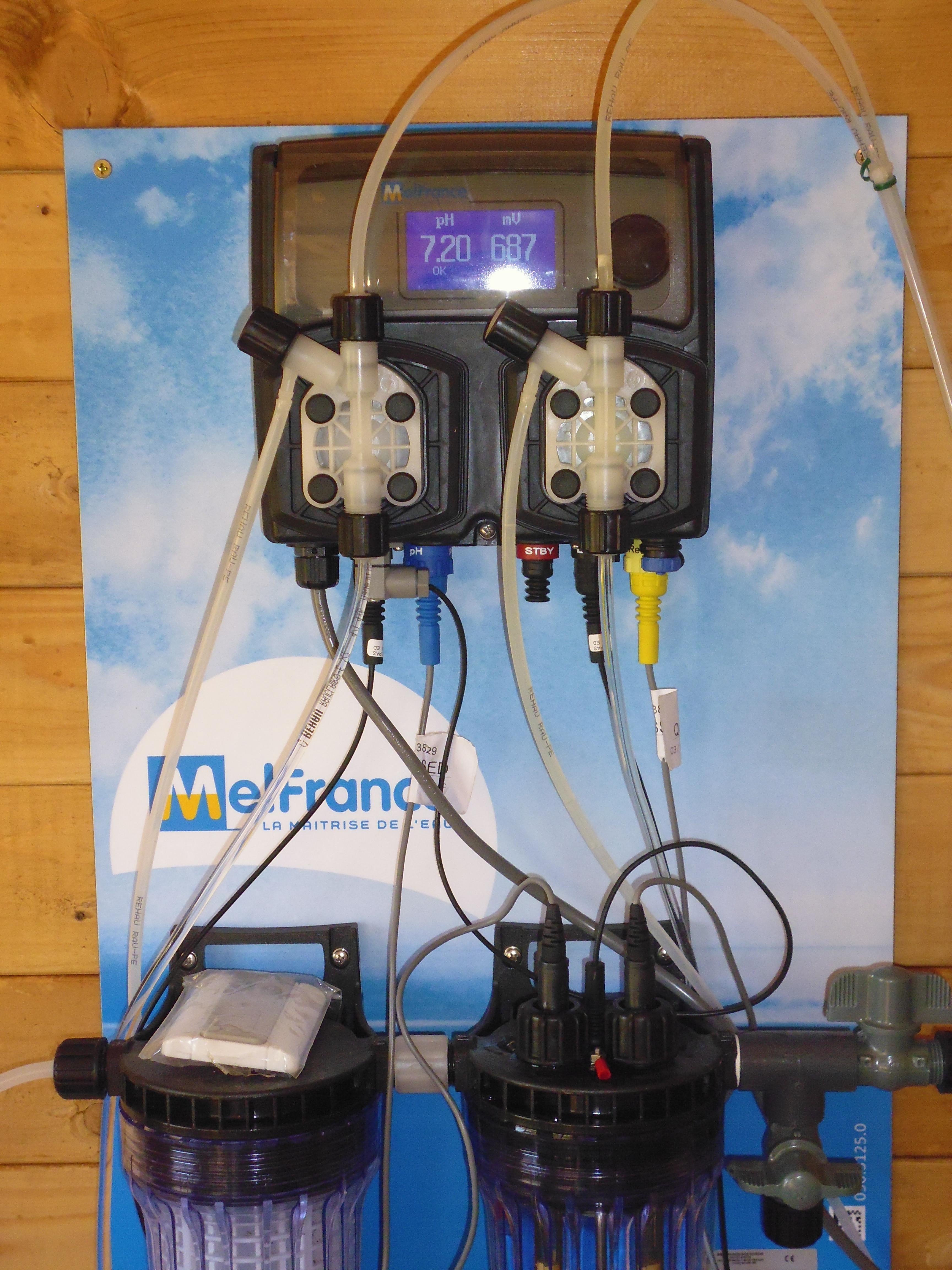 Système de contrôle et de traitement automatique de l'eau